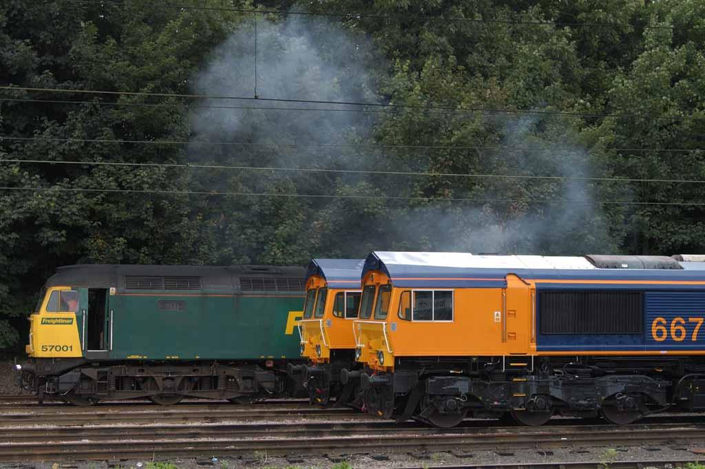 57001 Freightliner Pioneer